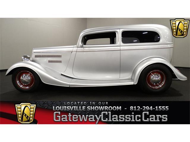 1934 Ford Tudor | 879474