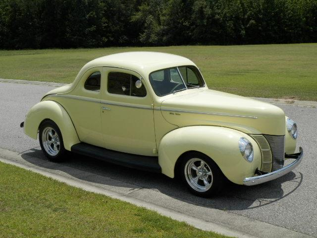 1940 Ford Deluxe | 879507