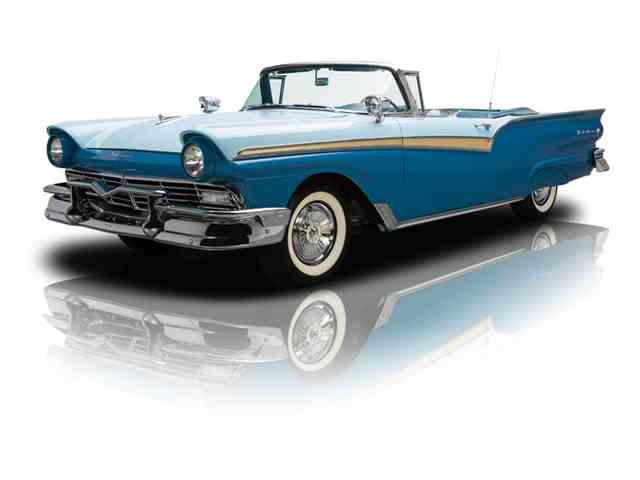 1957 Ford Fairlane 500 | 879583