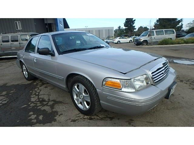 2004 Ford Crown Victoria | 879724