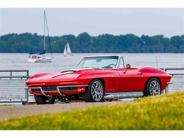 1965 Chevrolet Corvette | 879893