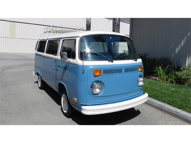 1973 Volkswagen Type 2 Bus   879937