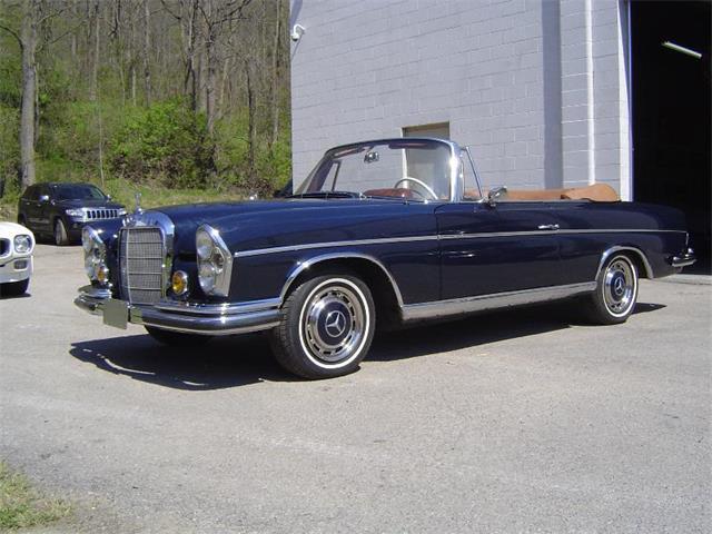 1964 Mercedes-Benz 220 | 881152