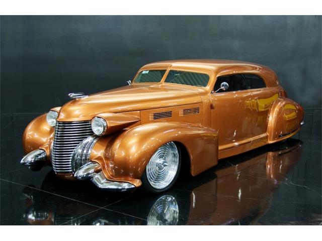 Cadillac Coupe Thumb on 1940 Lasalle V8 Engine