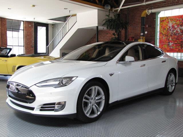2014 Tesla Model S | 881404