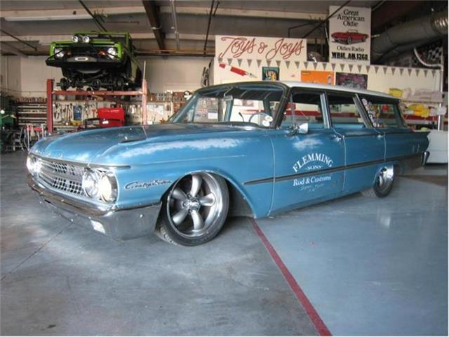 1961 Ford Country Sedan | 881624