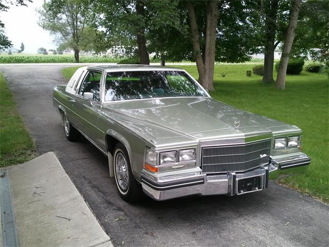 1985 Cadillac Fleetwood Brougham | 881752