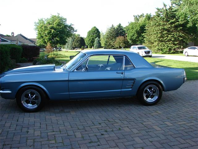 1966 Ford Mustang | 881760