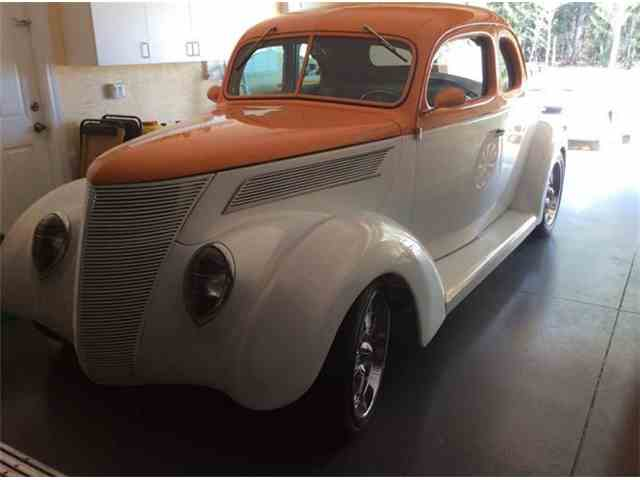 1937 Ford Coupe | 881761