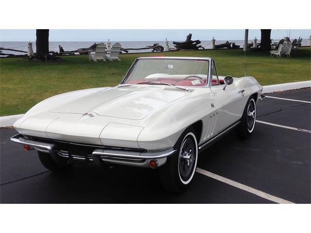1965 Chevrolet Corvette | 882067