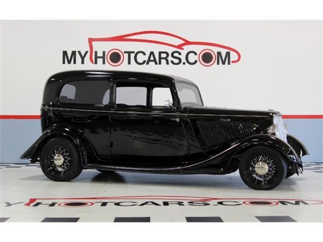 1933 Ford 2-Dr Sedan | 882245