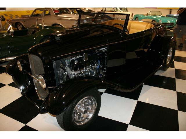 1932 Ford Roadster | 882273