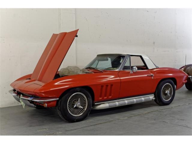 1965 Chevrolet Corvette | 882398