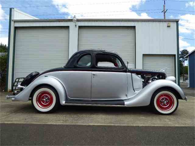 1935 Ford 2-Dr Coupe | 882443