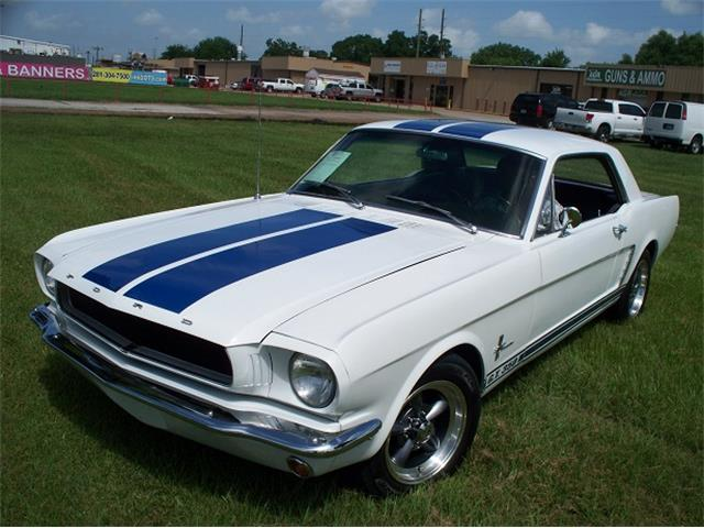 1965 Ford Mustang | 882444