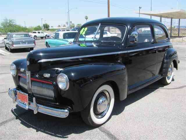 1942 Ford Deluxe | 882488