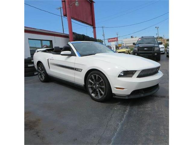 2011 Ford Mustang | 882596