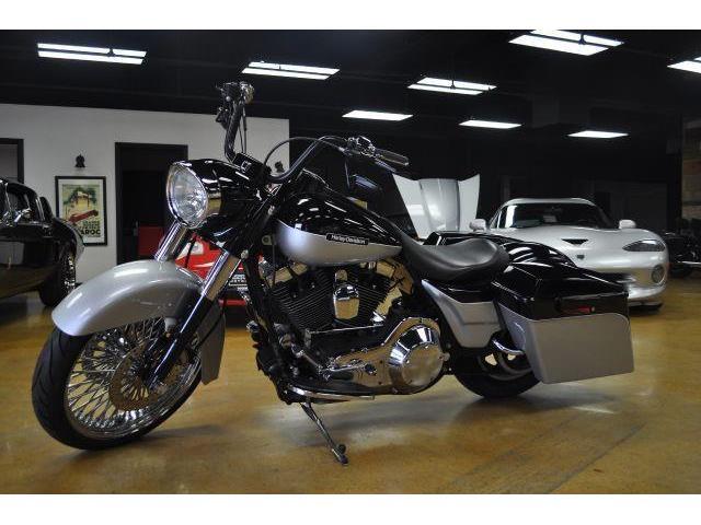 2004 Harley-Davidson Motorcycle | 883490