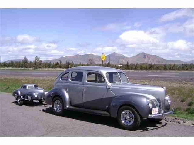 1940 Ford Deluxe | 884055
