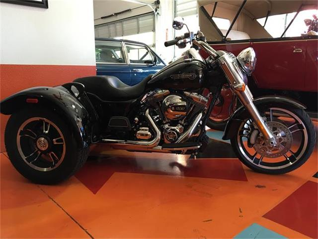 2015 Harley-Davidson FLRT FREEWHEELER TRIKE | 884068