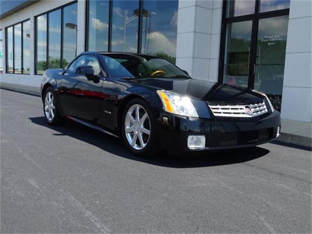 2004 Cadillac XLR   884198