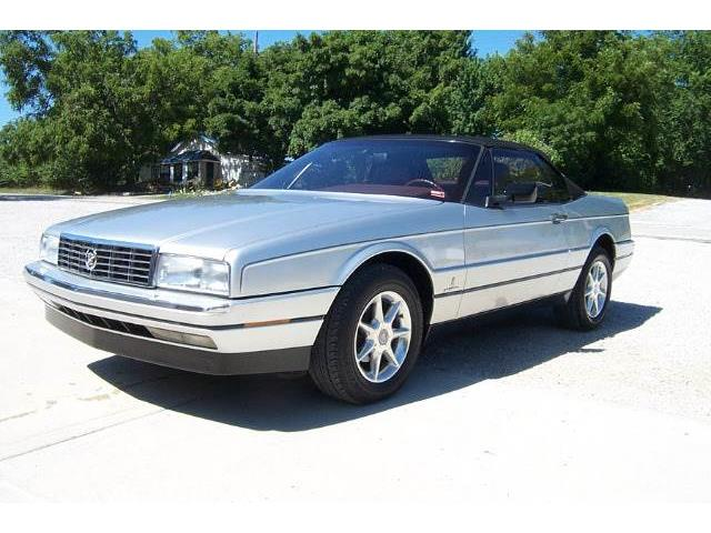 classic cadillac allante for sale on 36. Black Bedroom Furniture Sets. Home Design Ideas