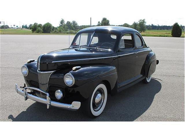 1941 Ford Deluxe | 884319