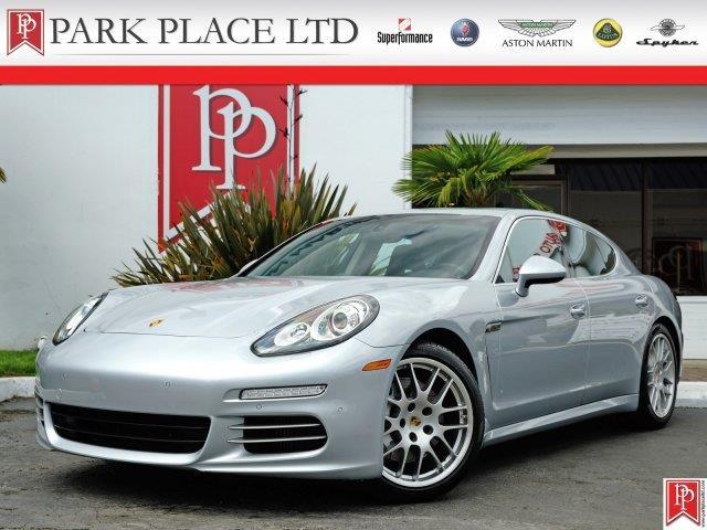 2014 Porsche Panamera | 880432
