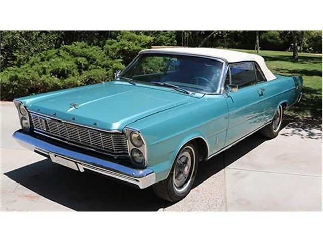 1965 Ford Galaxie 500 XL | 884326