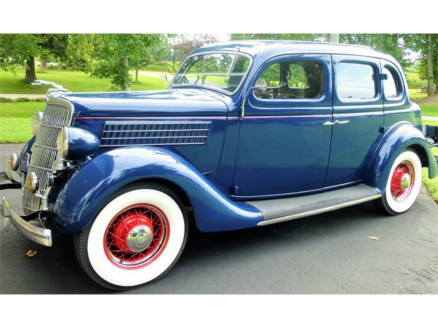 1935 Ford Fordor | 884342