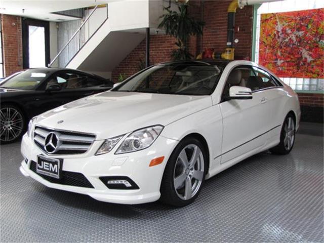 2010 Mercedes-Benz E-Class | 884395