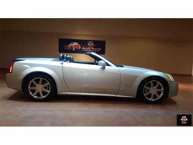 2004 Cadillac XLR | 884397