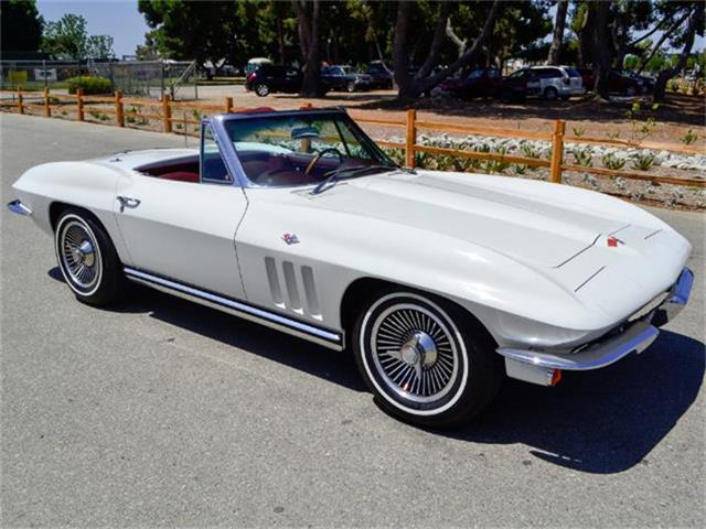 1965 Chevrolet Corvette | 884410