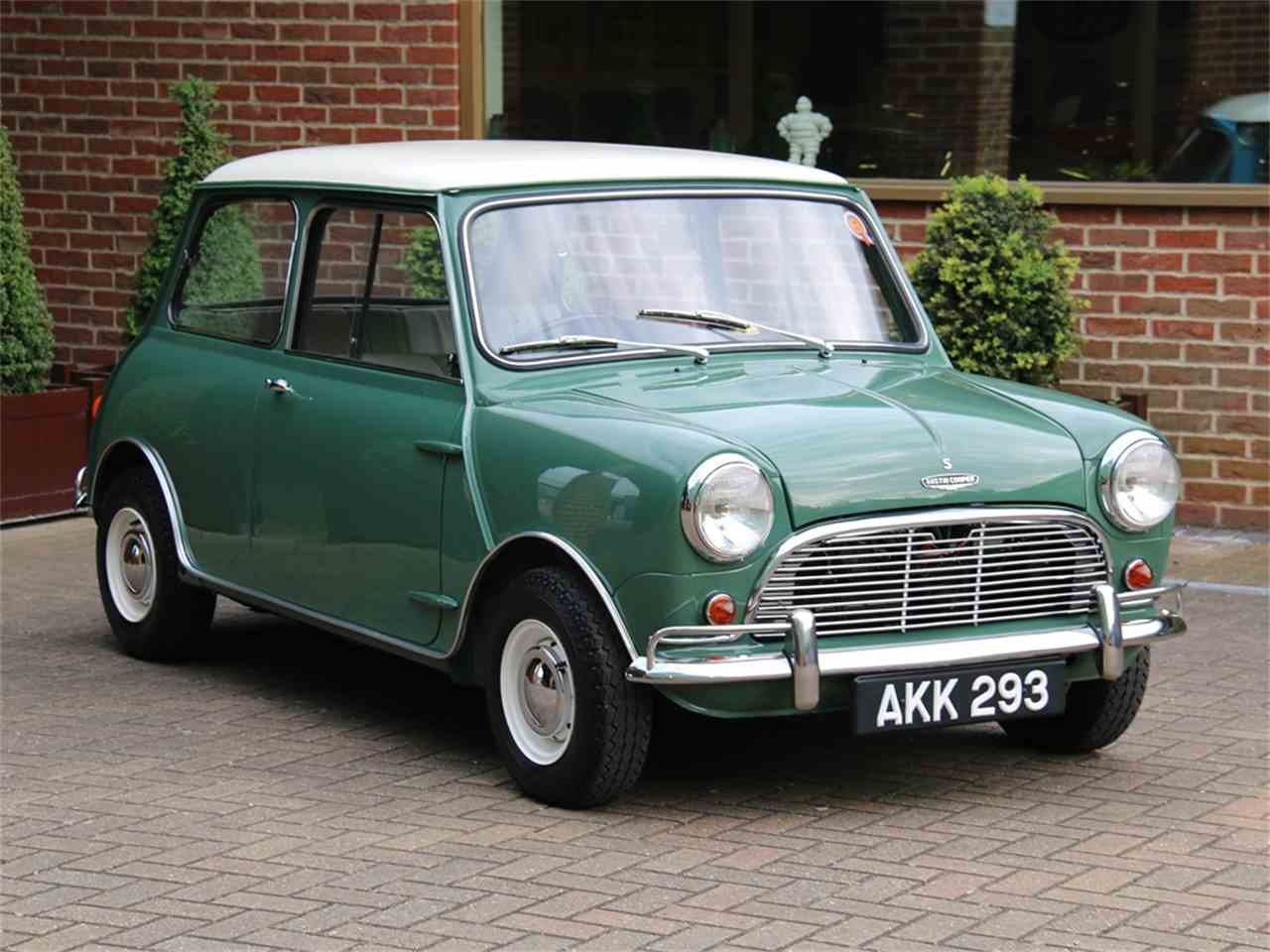 7147280-1964-austin-and-morris-mk-1-mini