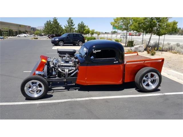 1942 Dodge Custom | 884496