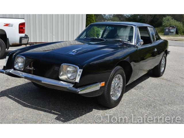 1964 Studebaker Avanti | 884504