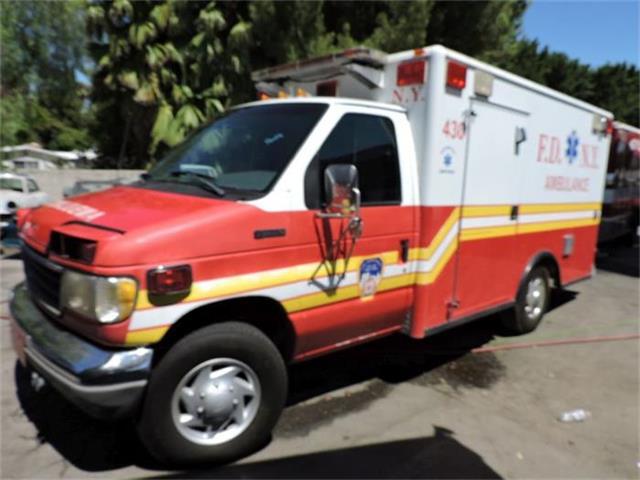 1993 Ford Ambulance | 884853