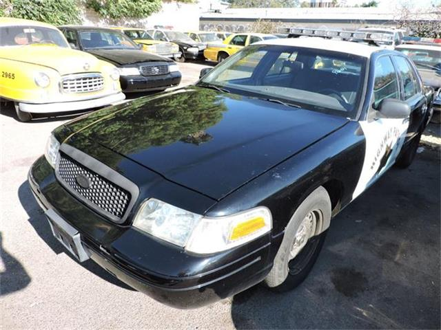 2001 Ford Crown Victoria | 884867