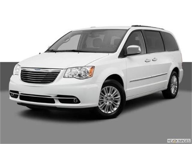 2013 Chrysler Town & Country | 880489