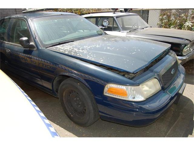 2005 Ford Crown Victoria | 884890