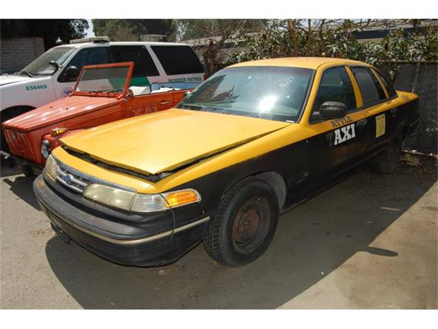 1997 Ford Crown Victoria | 884896