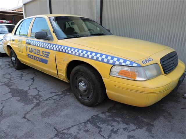 2002 Ford Crown Victoria | 884909