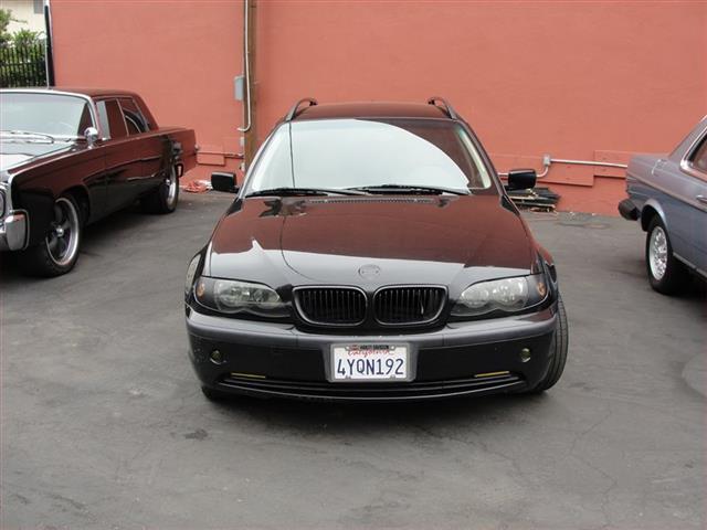 2002 BMW 325xi   884944