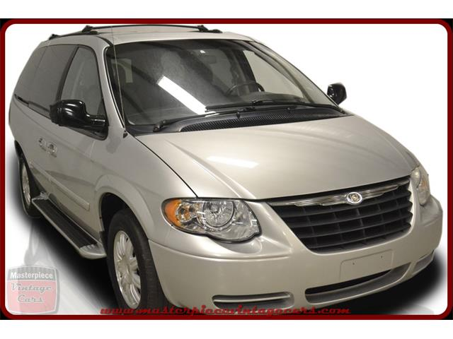 2005 Chrysler  Town & Country Touring | 884987