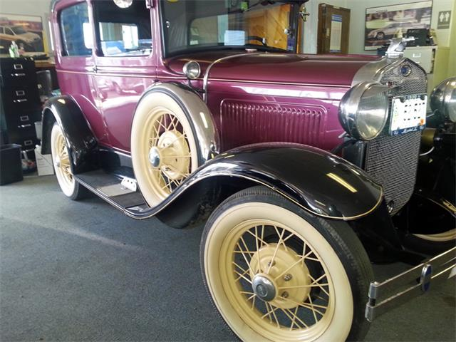1930 Ford Model A 2-Door Deluxe | 885200