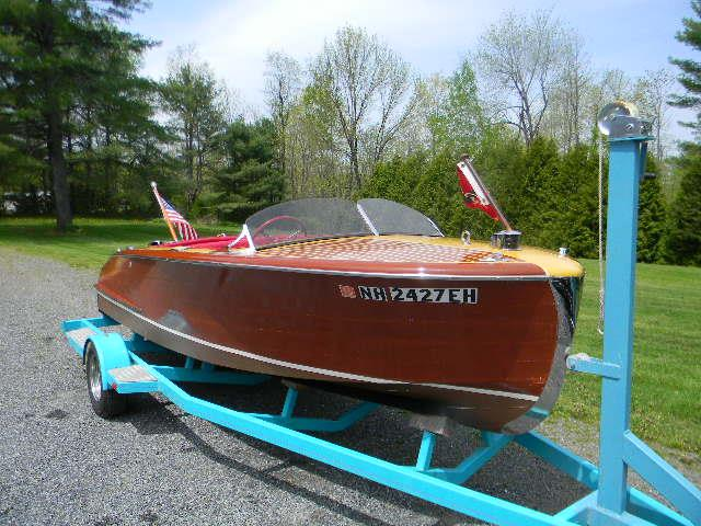 1950 Chris-Craft Riviera Runabout   885274
