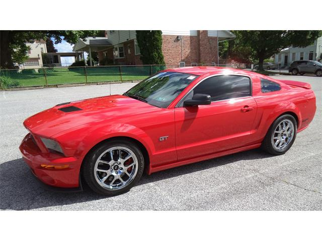 2005 Ford Mustang GT | 885487