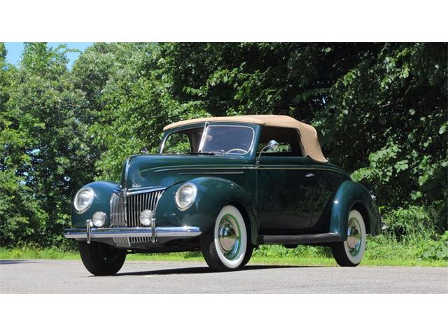 1939 Ford Deluxe | 885683