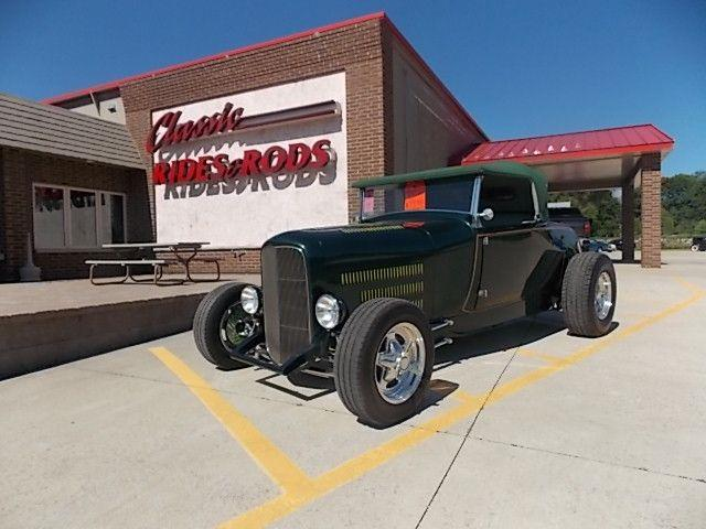 1929 Ford Roadster | 880569