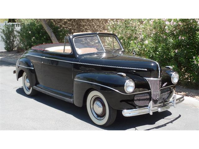 1941 Ford Super Deluxe | 885892